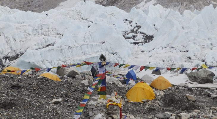 khumbu-icefall-and-everest-base-camp-everest-three-passes-trek