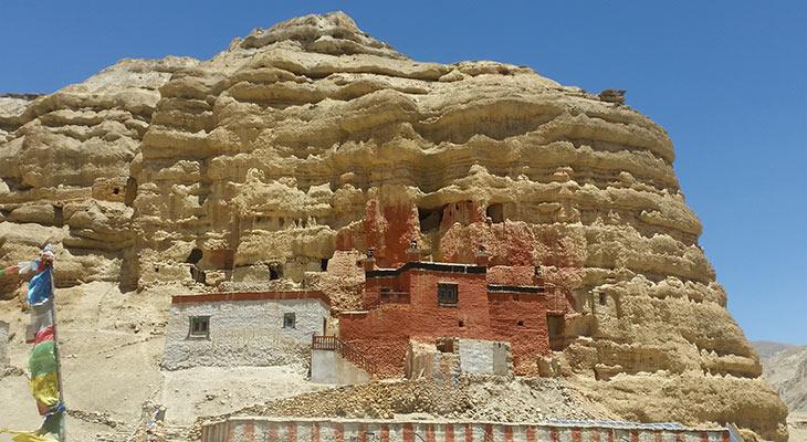 nifu-cave-upper-mustang-trek