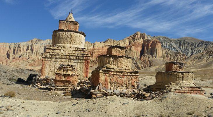 Khorok Chorten and red cliff on way to Dhakmar village in short upper mustang trek