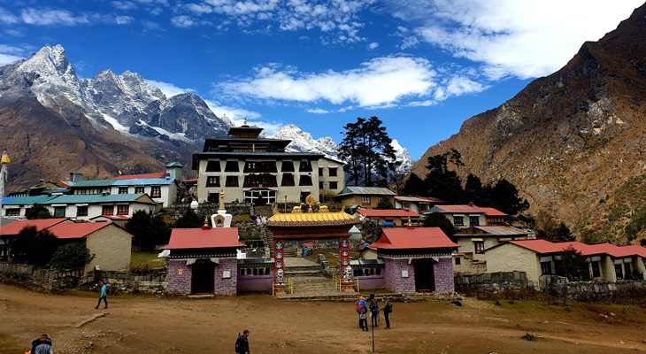 the-large-buddhist-monastery-Tengboche-Gompa